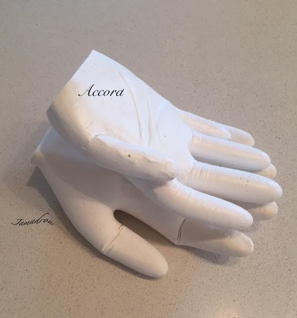 Main dans la main copie2 1