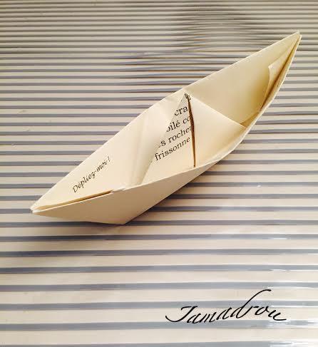 Un petit bateau de papier copie 1